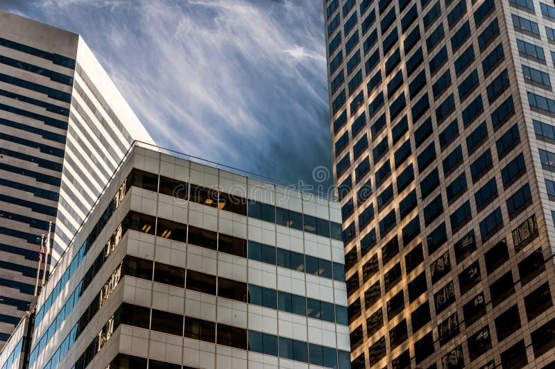 De horizon van Seattle met moderne bureaugebouwen stock foto