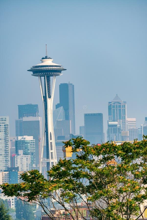 De horizon van Seattle zoals die van Kerry Park, de staat van Washington, de V.S. wordt gezien stock afbeelding