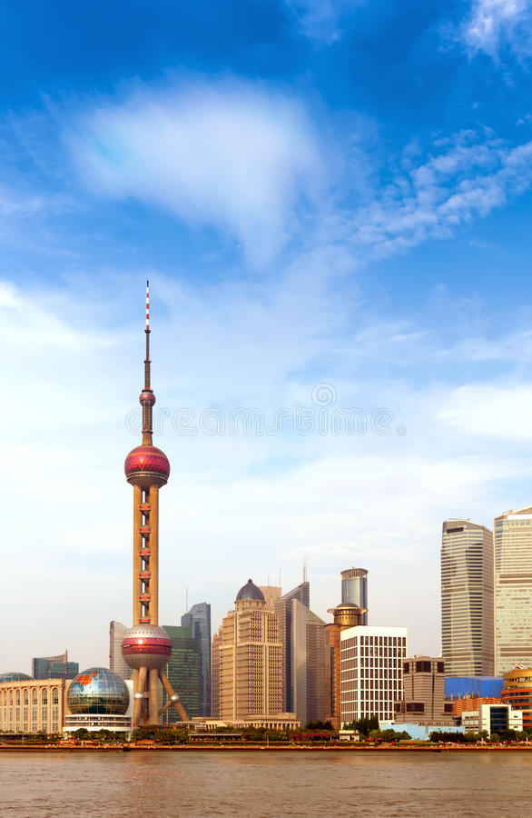 Download De horizon van Shanghai stock afbeelding. Afbeelding bestaande uit chinees - 29501291