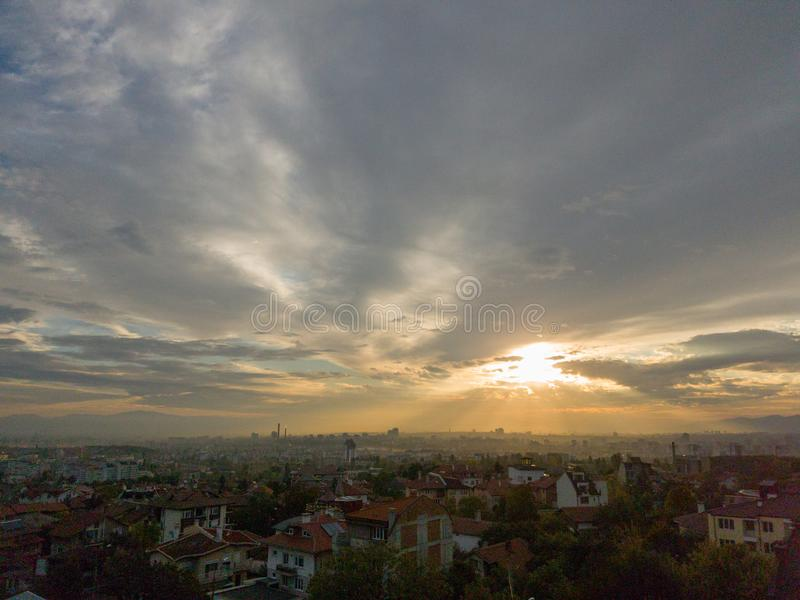 De horizon van Sofia bij zonsopgang stock foto's