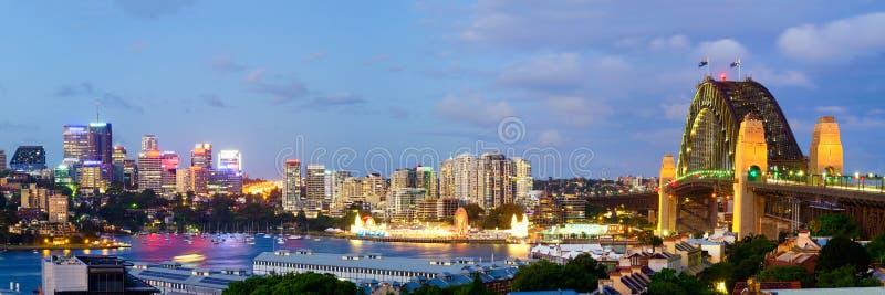 De Horizon van Sydney - het Panorama van de Heuvel van het Waarnemingscentrum stock foto