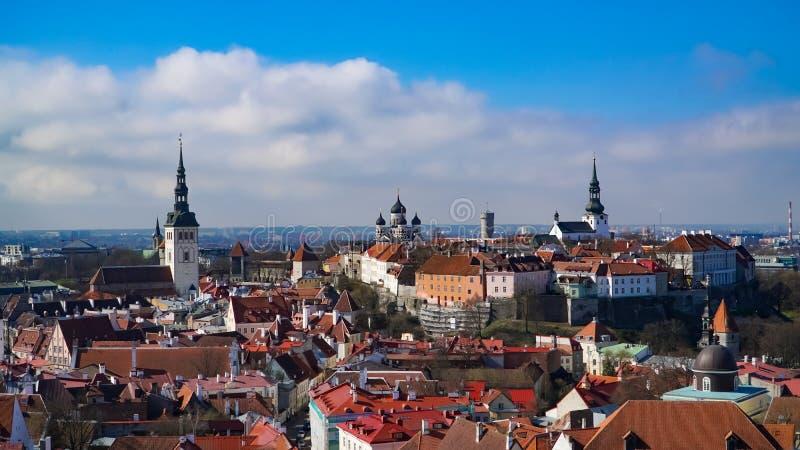 De horizon van Tallinn, Estland Luchtmening van Tallinn De Oude Stad van Tallinn, Estland stock foto