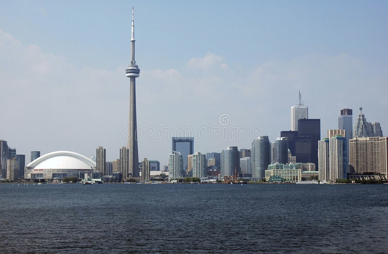 Download De Horizon van Toronto stock afbeelding. Afbeelding bestaande uit toren - 279623