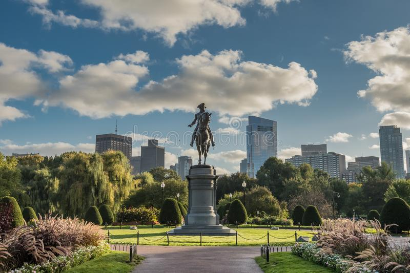 De Horizon van Washington Statue en van Boston stock fotografie