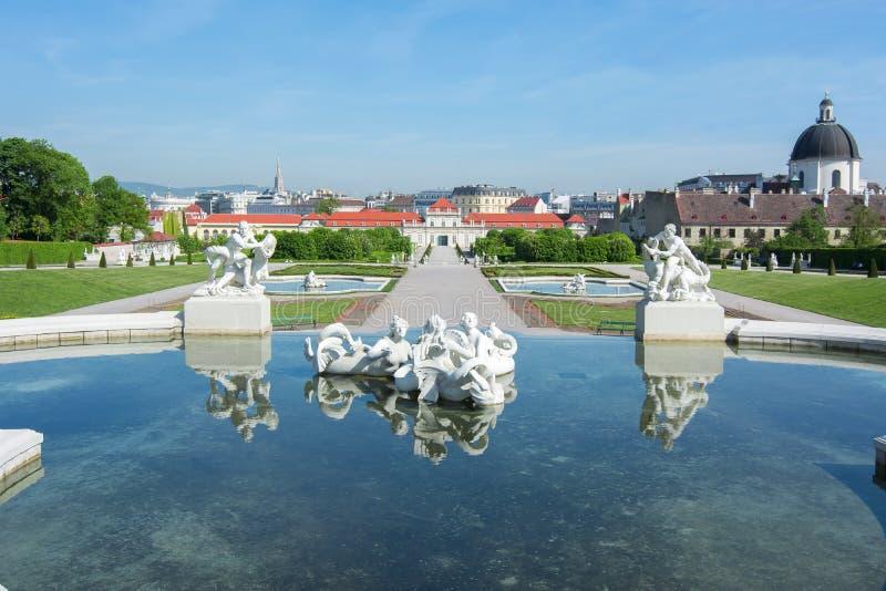 De horizon van Wenen van Belvedere tuin, Oostenrijk stock foto