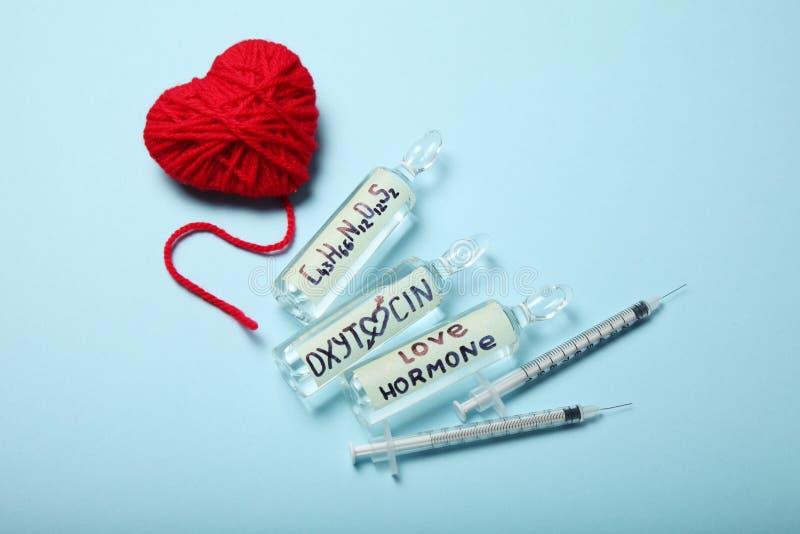 De hormonen, de liefde en oxytocin van het biochemiebloed royalty-vrije stock foto