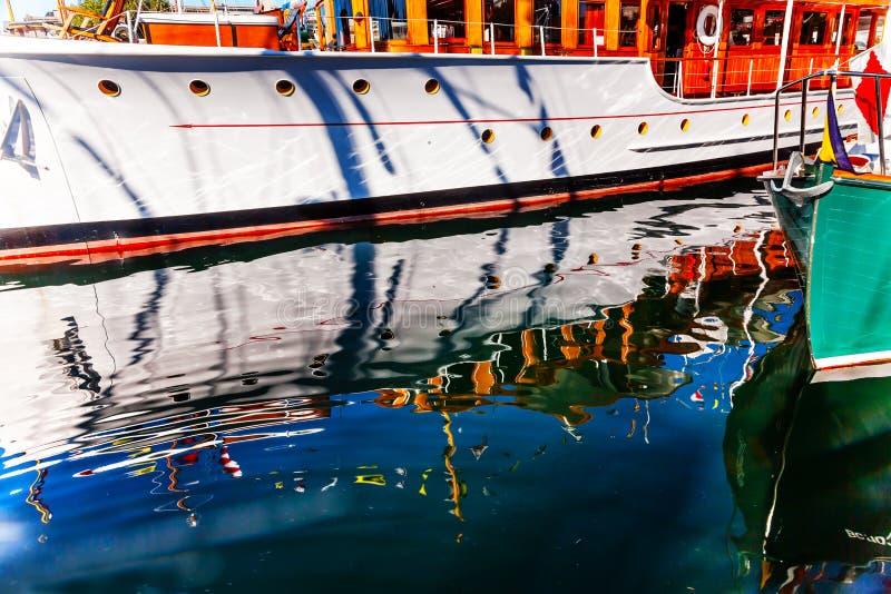 De houten Abstracte Binnenhaven Brits Colombia C van de Botenbezinning royalty-vrije stock fotografie