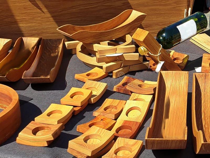 De houten ambacht productiehousewares goederen van de winkelhoutbewerking slaan nationale met de hand gemaakte ambachts tradition stock afbeelding