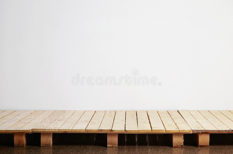 De houten scène van de palletsvloer royalty-vrije stock afbeeldingen