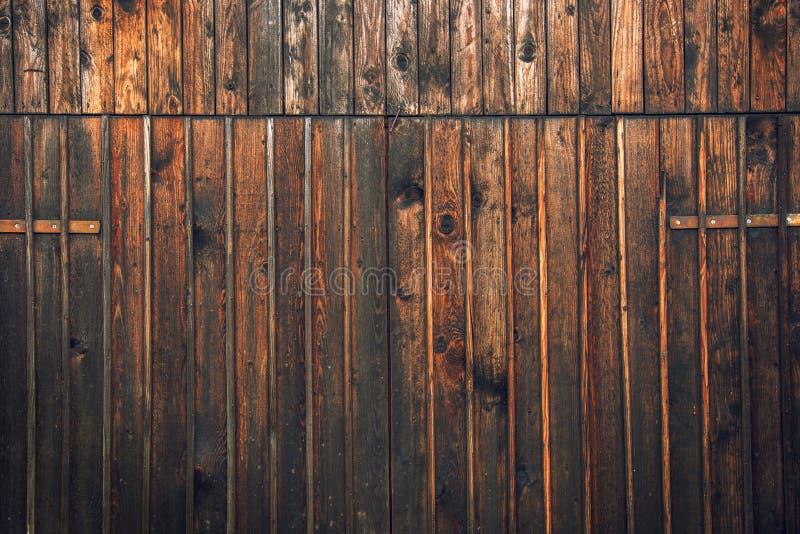 De houten schuur wierp deur af royalty-vrije stock fotografie