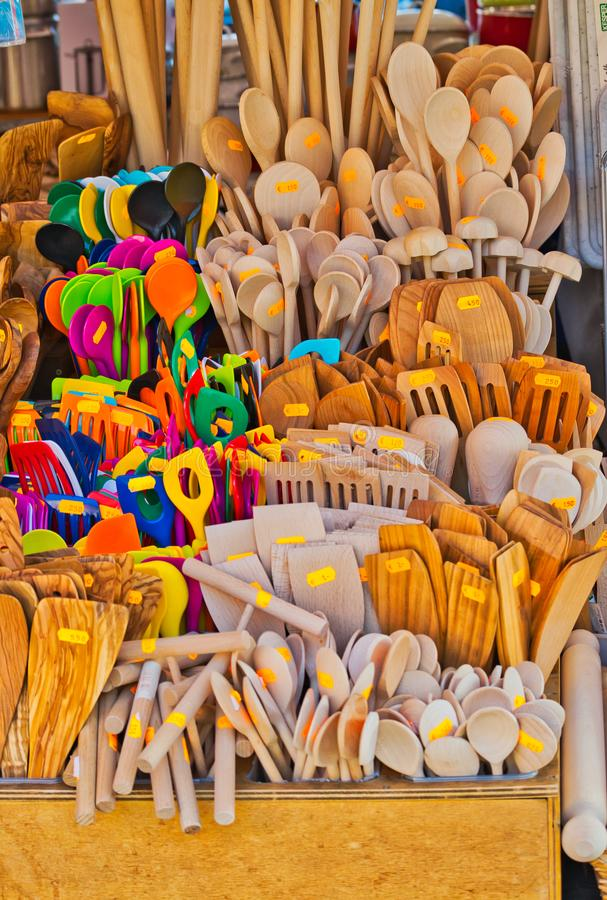 De houten vork van de lepelspatel en andere werktuigen voor verkoop royalty-vrije stock foto