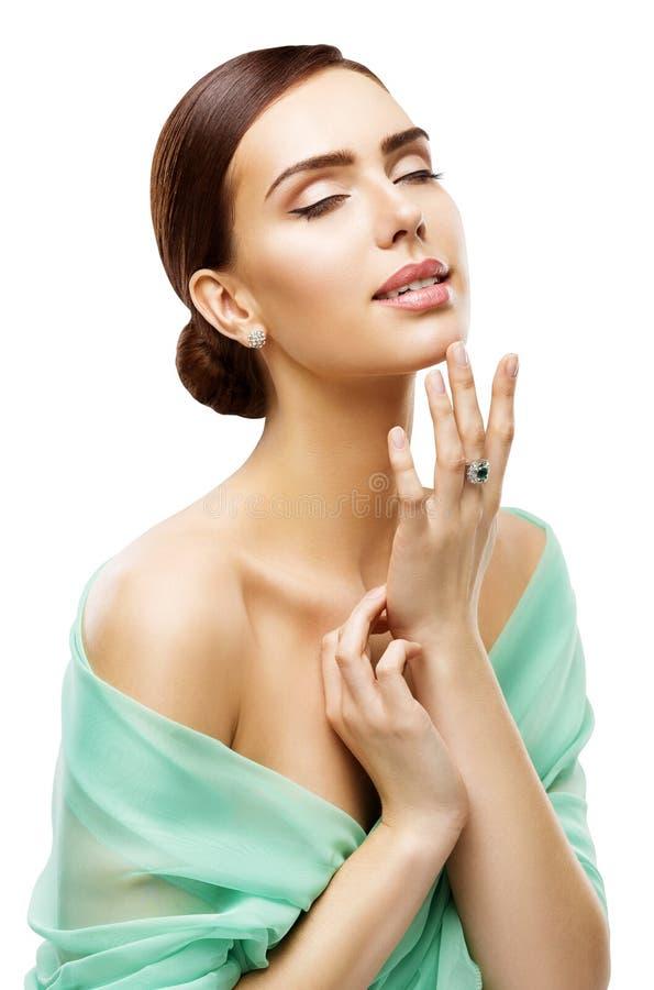 De Huidzorg van het vrouwengezicht, Modeltouching neck makeup, Skincare-Schoonheid stock foto's