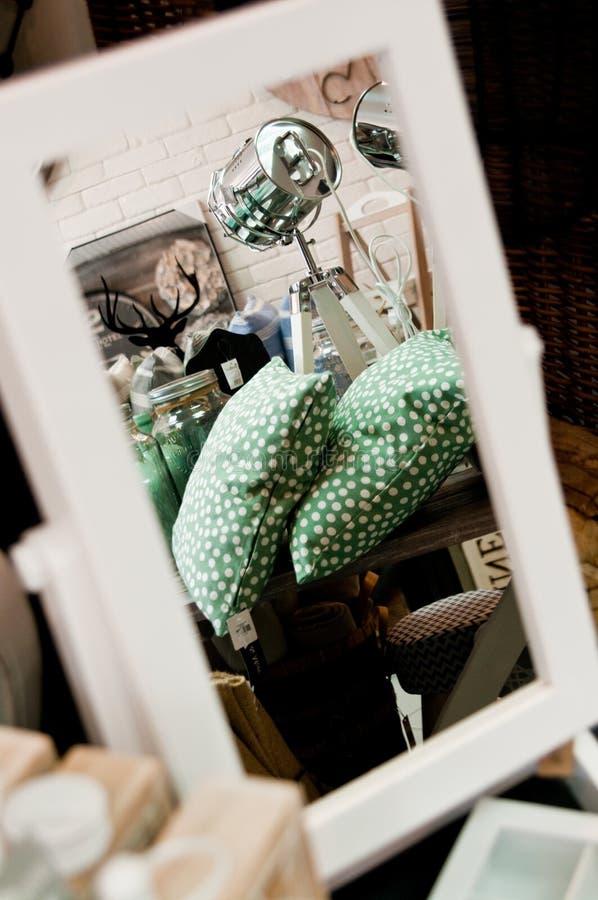 De huisdecoratie winkelen binnenland royalty-vrije stock afbeeldingen