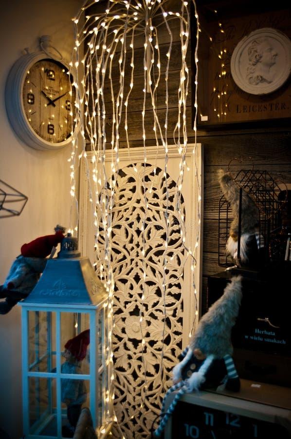 De huisdecoratie winkelen binnenlandse humeurige vertoning stock afbeelding