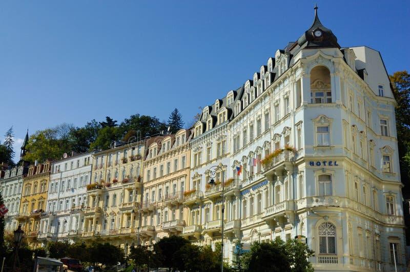 De huizen en de straten van Karlovy variëren royalty-vrije stock afbeeldingen