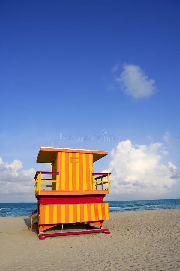 De huizen van de badmeester in het Strand van Miami royalty-vrije stock fotografie