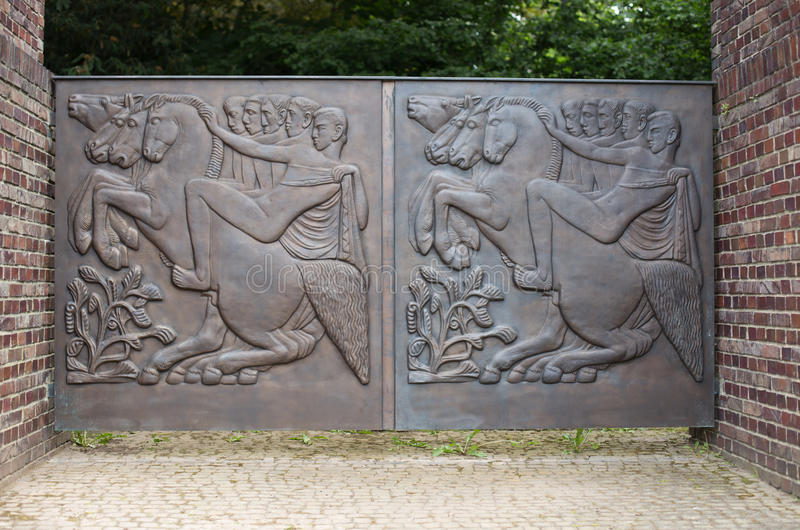 De Hulp van het brons royalty-vrije stock afbeelding