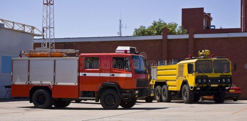 De Hulpdiensten Firetrucks van de luchtmachtbasis royalty-vrije stock foto's