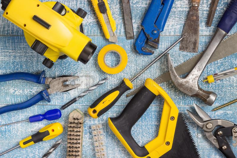 De hulpmiddelen en de toebehoren van de huisvernieuwing stock fotografie