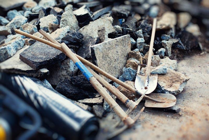 De hulpmiddelen van de straatreparatie stock afbeeldingen
