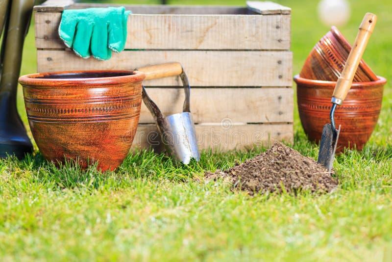 De hulpmiddelen van de tuin stock afbeelding