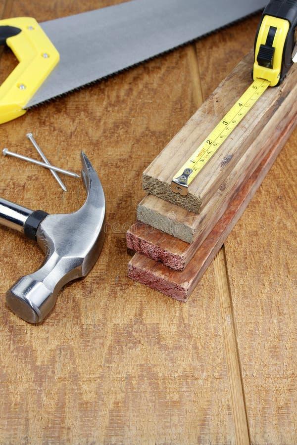 De hulpmiddelen van het werk op hout royalty-vrije stock foto's