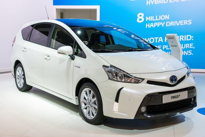 De hybride auto van Toyota Prius+ royalty-vrije stock afbeeldingen