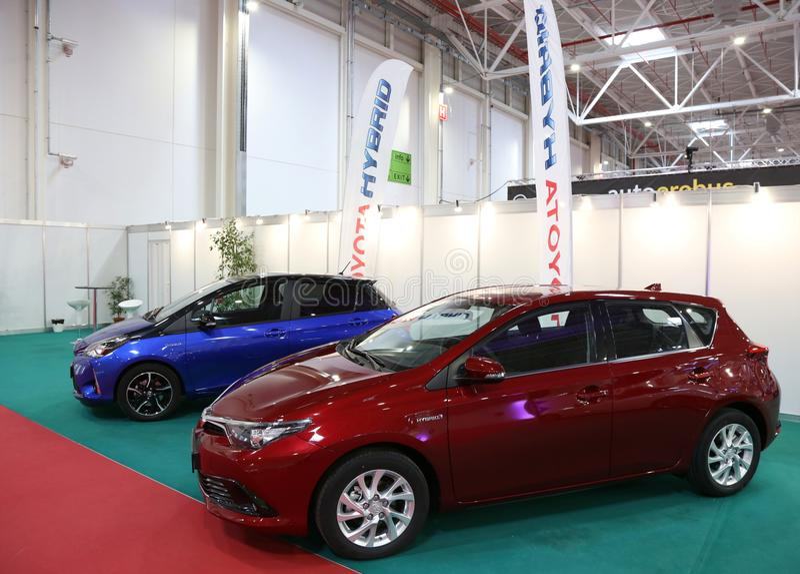 De Hybride van Toyota Yaris en Auris-bij SIAB 2018, Romexpo, Boekarest, Roemenië royalty-vrije stock foto