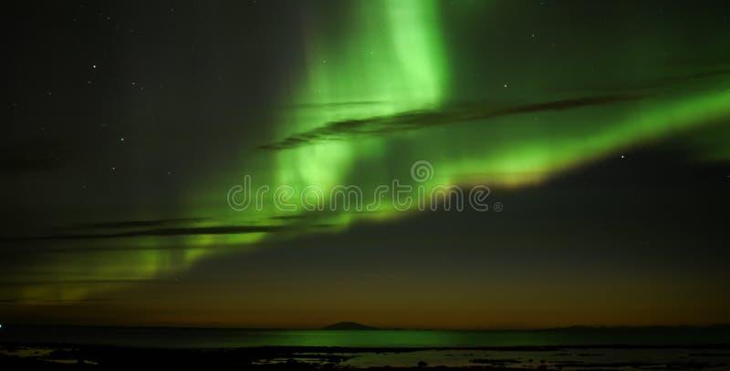 De Iconische Noordelijke Lichten boven IJsland royalty-vrije stock foto