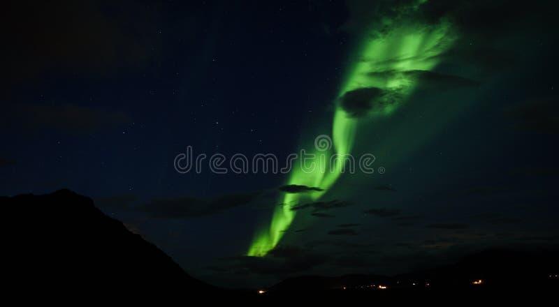 De Iconische Noordelijke Lichten boven IJsland stock fotografie