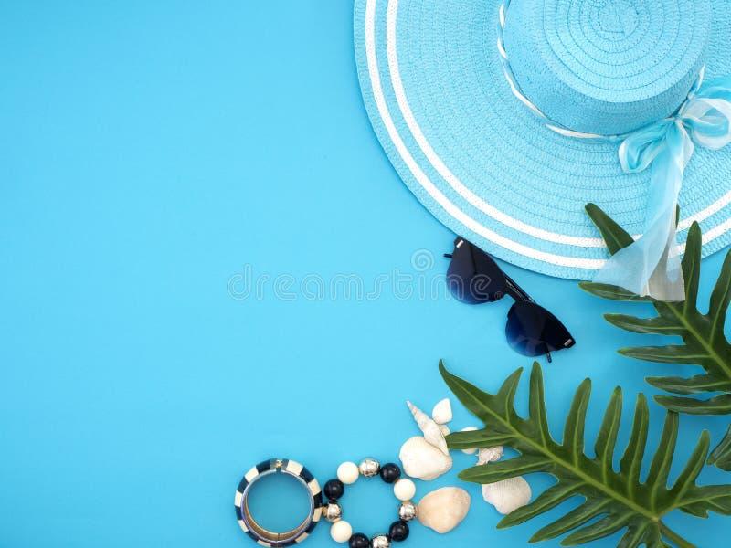 De ideeën van de de zomerreis en strandvoorwerpen stock fotografie
