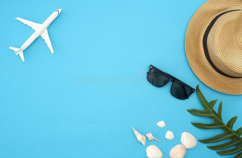 De ideeën van de de zomerreis en strandvoorwerpen stock foto