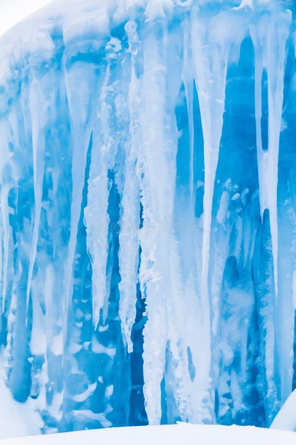 De ijskegels van ijskastelen en ijsvormingen royalty-vrije stock foto's
