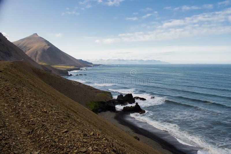 De Ijslandse Fjorden van het Oosten stock afbeeldingen
