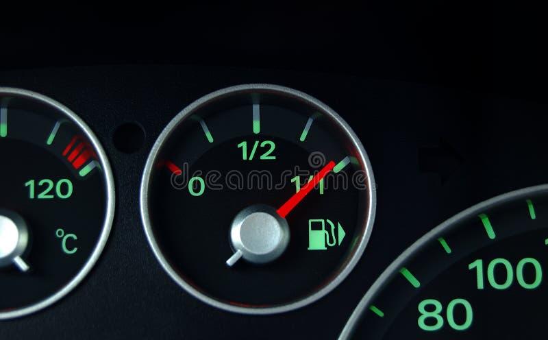 Dashboard en brandstofindicator royalty-vrije stock foto's