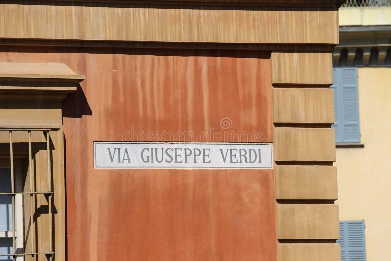 De indicator van de straatnaam op de muur van huis in Piacenza, Italië stock afbeeldingen