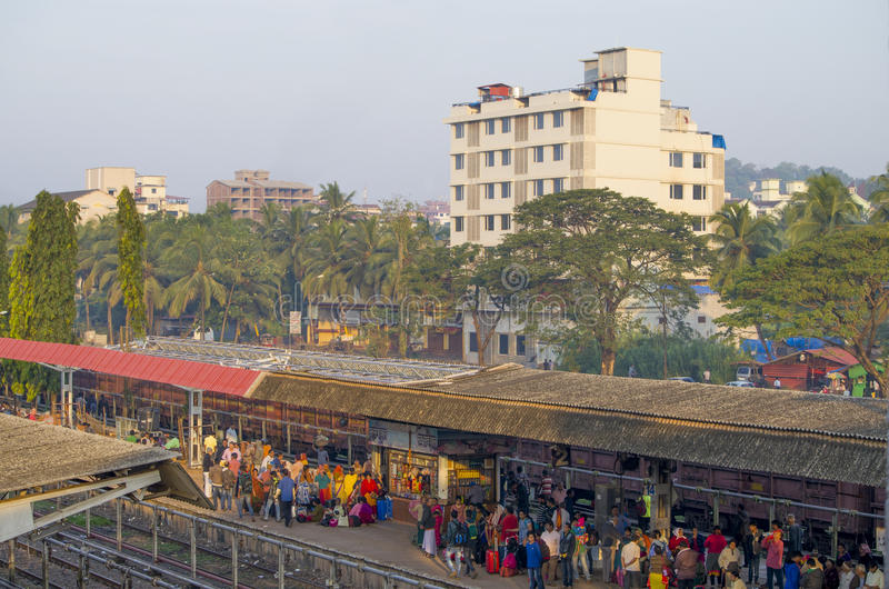 De Indische spoorweg de postverwachting van de trein royalty-vrije stock fotografie