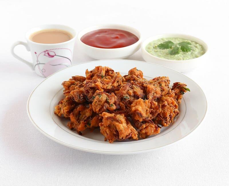 De Indische Vegetarische Snack van uipakora met Thee royalty-vrije stock afbeeldingen