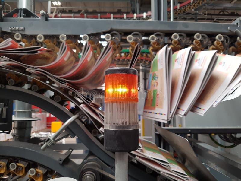 De industriële krant van het drukpersvervoer voor de media stock foto's