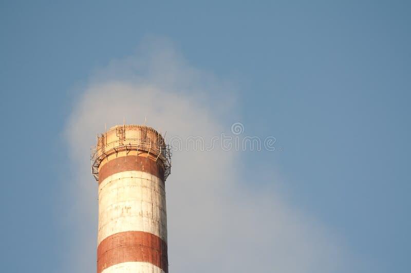 De industriële verontreiniging van de lucht stock foto