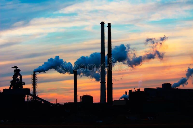 De industrie van de zonsondergang stock foto's