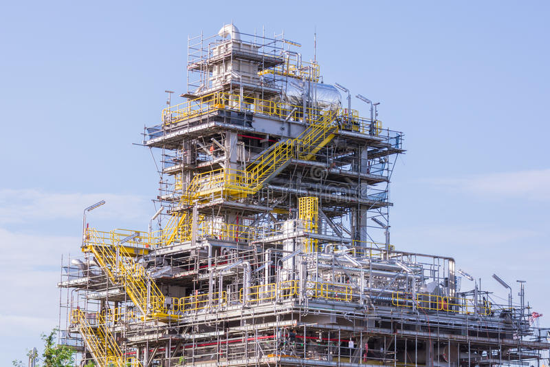 De industriekraan en bouwconstructie royalty-vrije stock fotografie