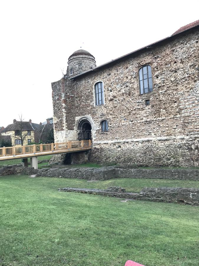 De ingang aan Cochester-Kasteelmuseum, multi-layered Norman, Saksisch en Roman gebouw royalty-vrije stock foto's