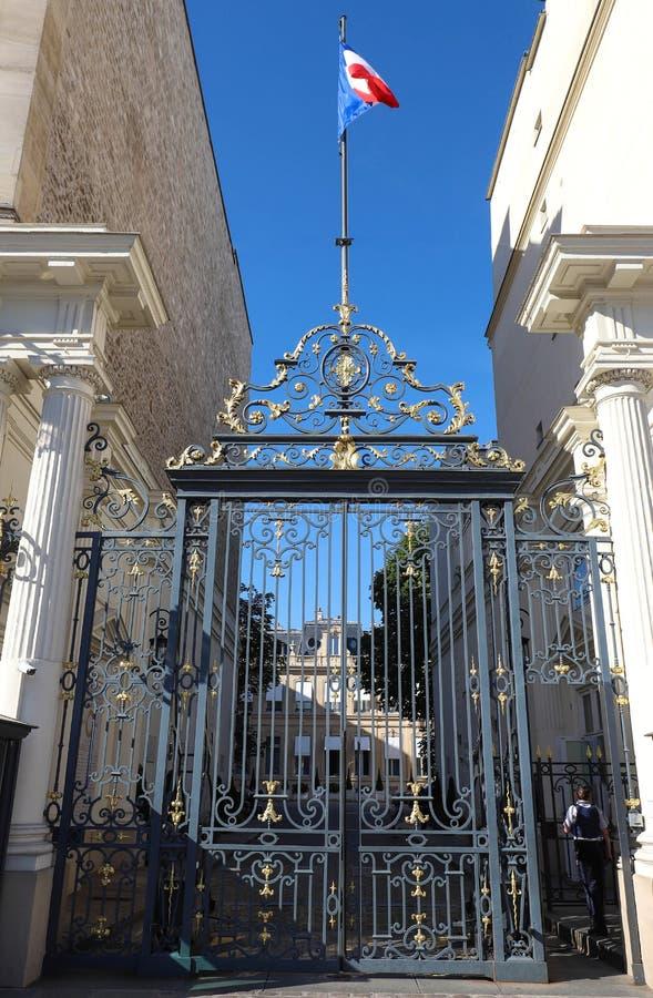 De ingang aan het Ministerie van Binnenlandse op zijn plaats Beauvau in Parijs, Frankrijk royalty-vrije stock foto