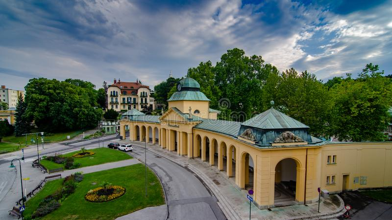 De ingang aan Thermalbad Voslau in Slechte Voslau, Oostenrijk royalty-vrije stock afbeeldingen