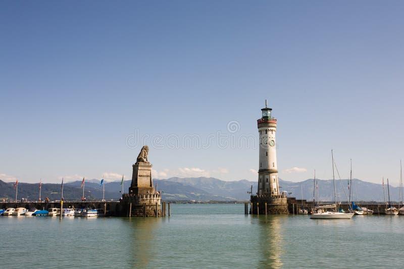 De ingang van de haven van Lindau stock foto's