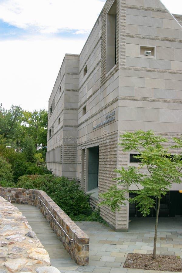 De Ingang van de torenweg aan Ives Hall op Cornell University royalty-vrije stock fotografie