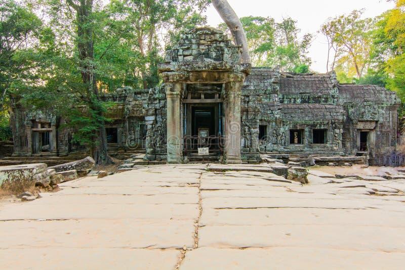 De ingang voor het kasteel van Ta Phrom stock fotografie