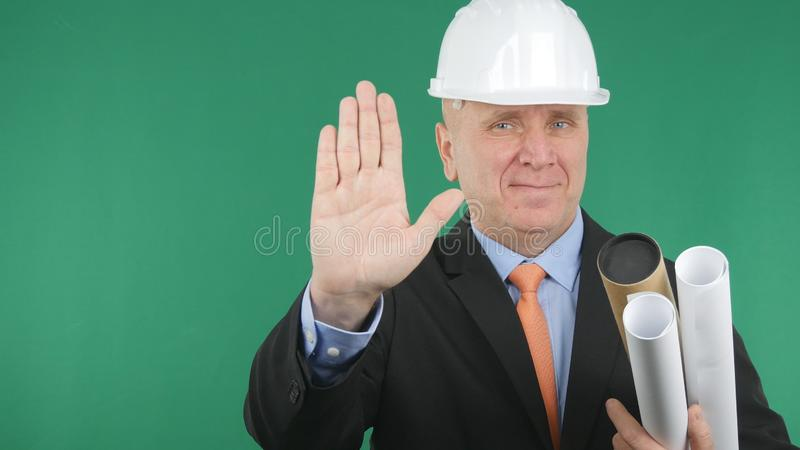 De ingenieur Gestures Smile en maakt een Teken van de Eindehand royalty-vrije stock foto