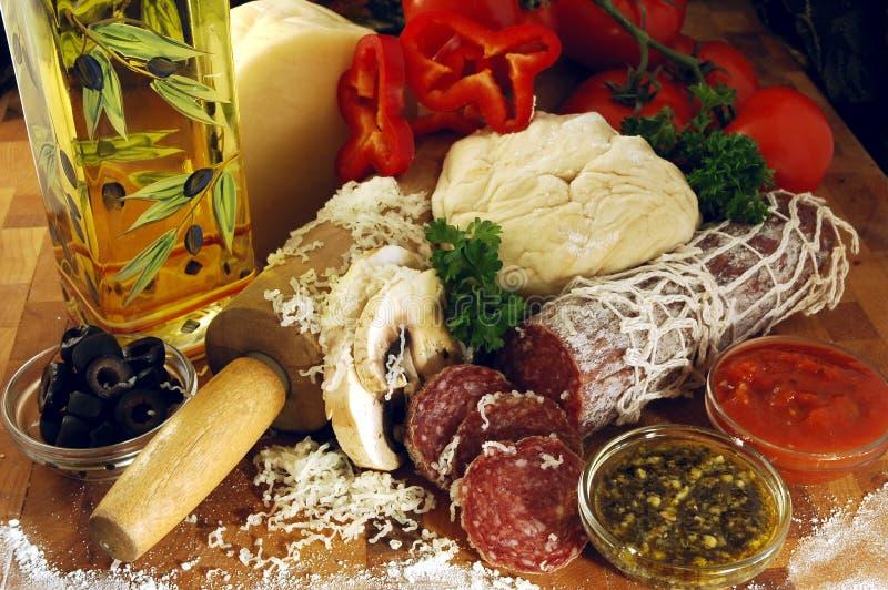 De Ingrediënten van de pizza royalty-vrije stock afbeelding